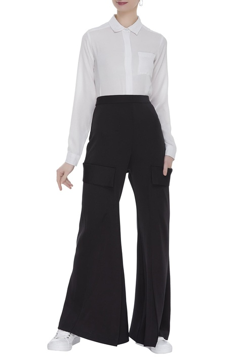 Flared pants with side pocket