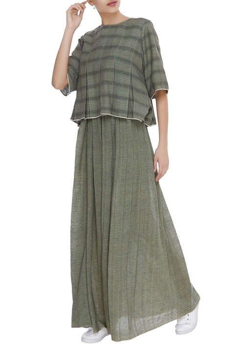Gathered waist maxi skirt