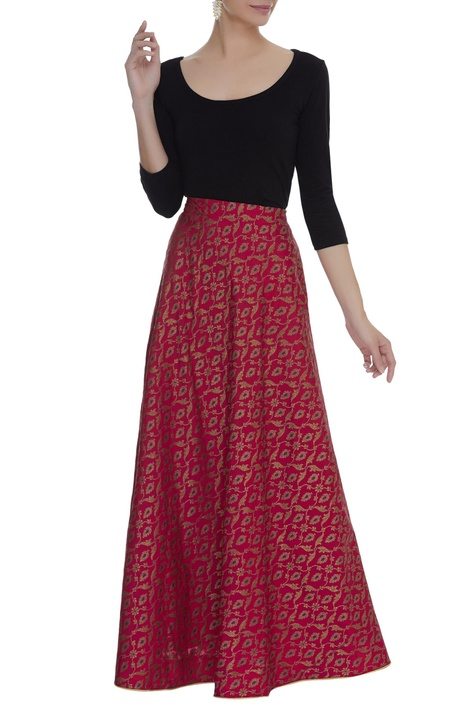 Flared brocade woven skirt