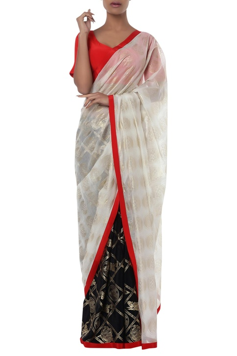 Floral printed sari with unstitched blouse