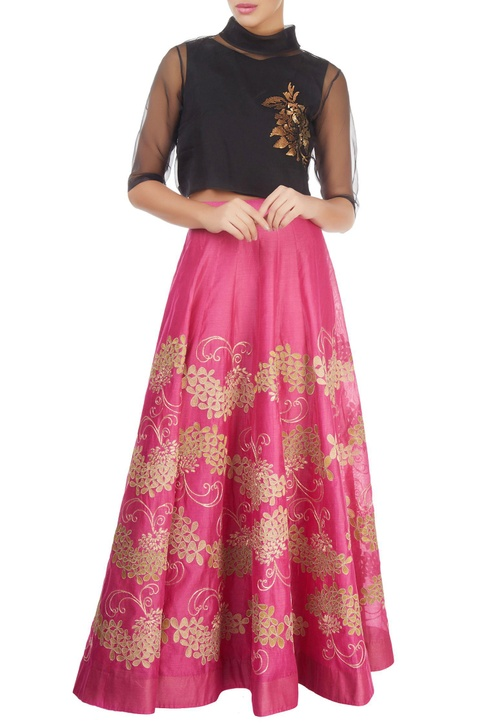 Pink skirt with gold tissue applique