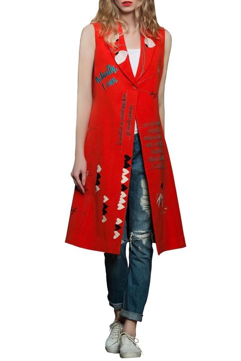 Red sleeveless long jacket