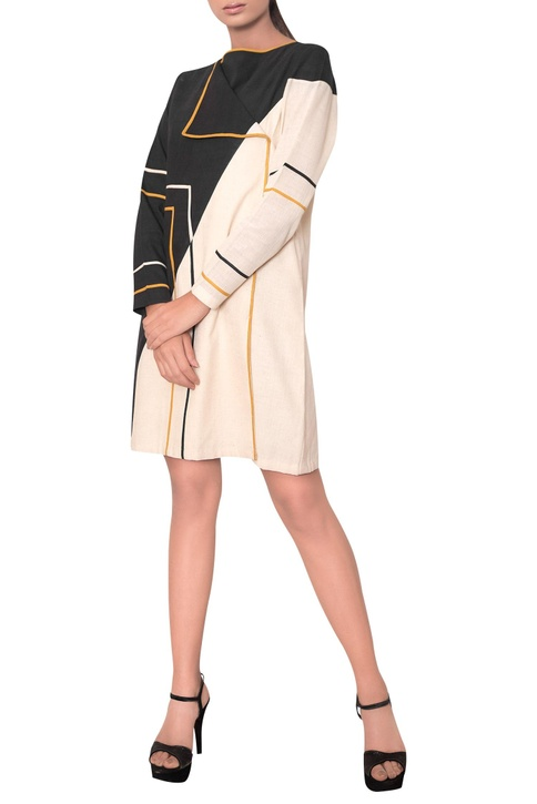 Midi dress with overlap style