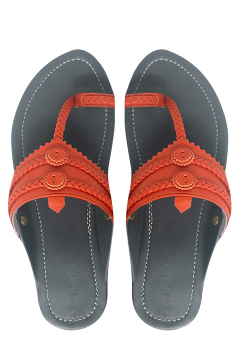 Kolhapuri style leather strap sandals