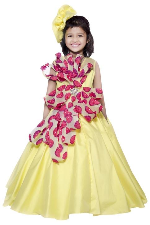 3D floral embellished gown