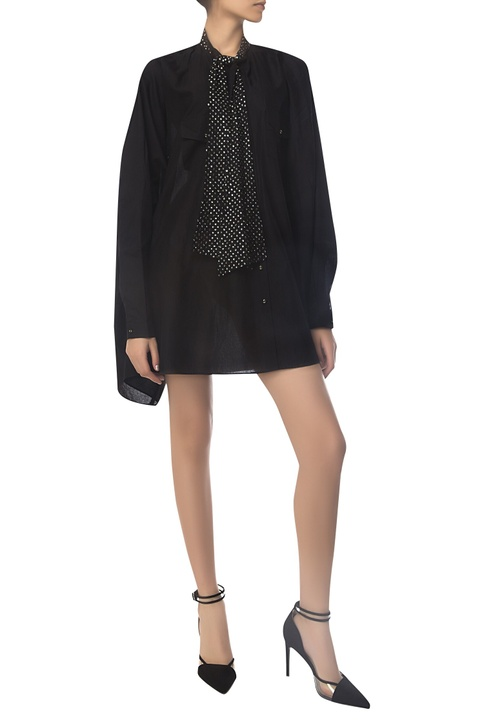 Oversized shirt with embroidered bow