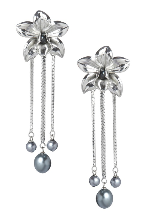 Floral drop earrings with pearls