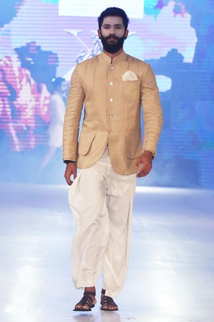Latest Collection of Bandhgalas by Arjun Khanna