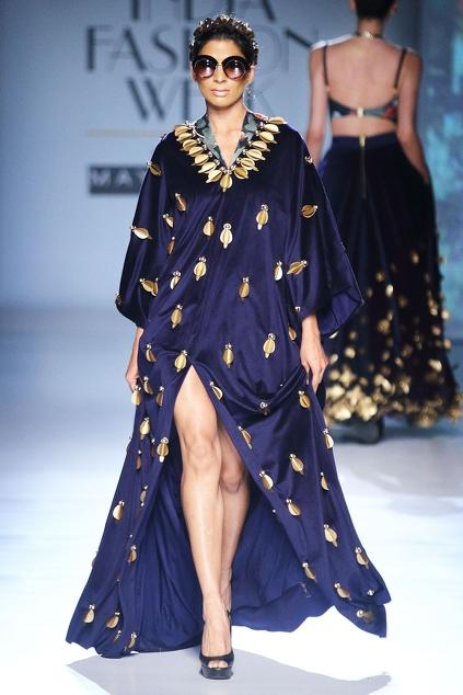 Latest Collection of Gowns by Shivan and Narresh