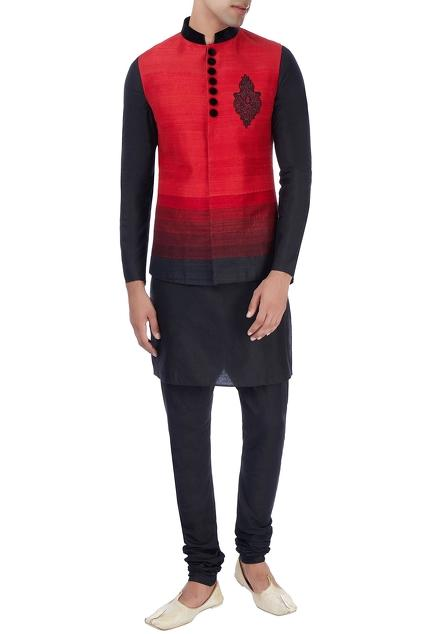 Latest Collection of Kurta Sets by Manish Nagdeo - Men