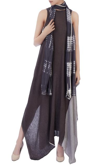 Latest Collection of Stoles by Urvashi Kaur