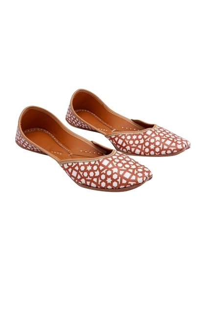 Latest Collection of Footwear by 5 elements