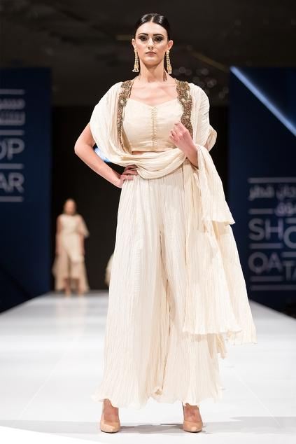 Latest Collection of Capes by Pallavi Jaipur