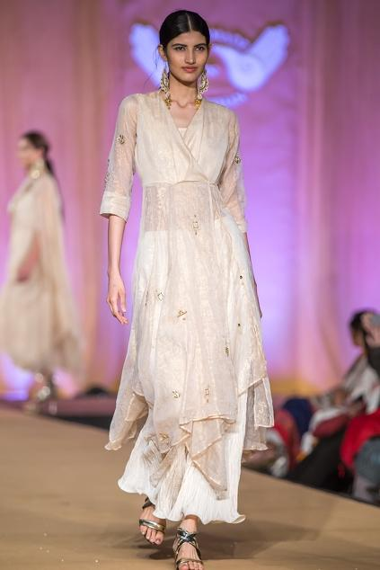 Latest Collection of Kurta Sets by Pallavi Jaipur
