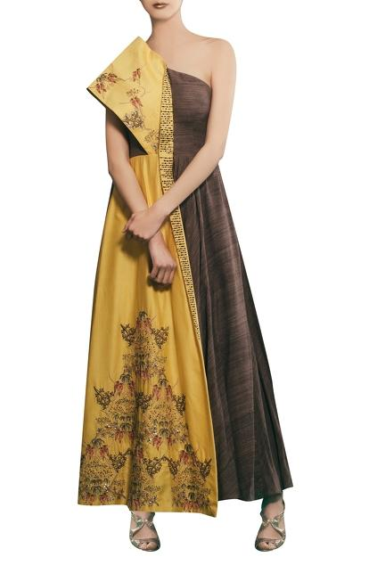 Latest Collection of Gowns by Neha & Tarun