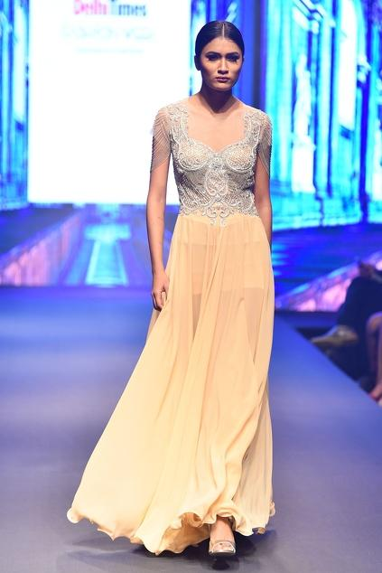 Latest Collection of Gowns by Reynu Taandon