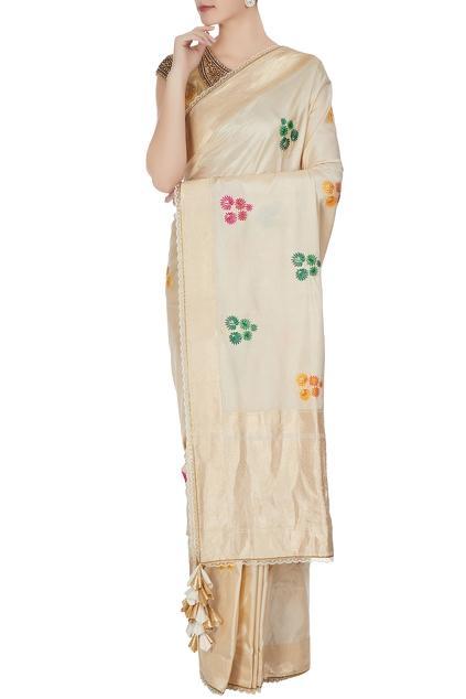 Latest Collection of Saris by Priyanka Raajiv