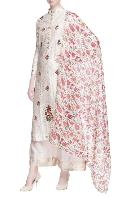 Latest Collection of Kurta Sets by Aarti Talwar