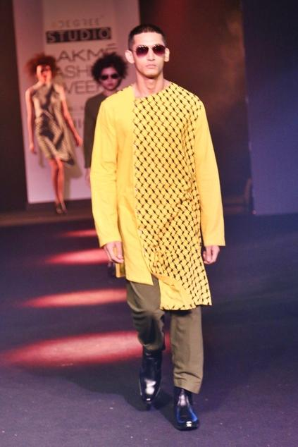 Latest Collection of Kurtas by Fahd Khatri - Men