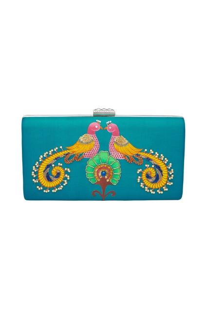 Latest Collection of Handbags by Crazy Palette