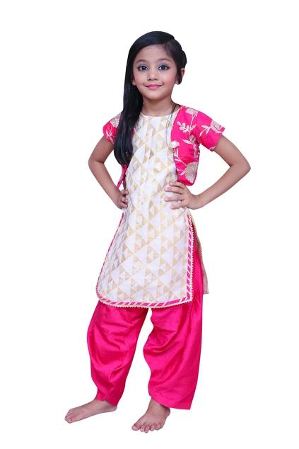 Latest Collection of Girls by Kirti Agarwal Pret N couture