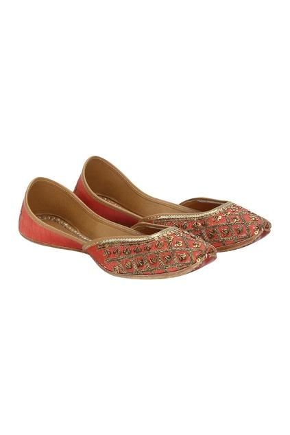 Latest Collection of Footwear by Vian