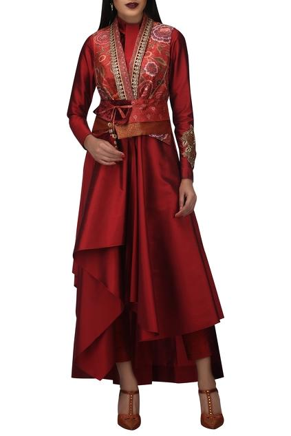 Latest Collection of Jackets by TARUN TAHILIANI