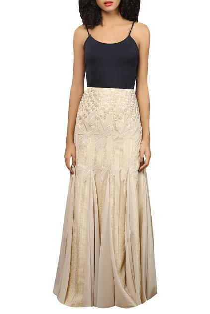 Latest Collection of Skirts by Reynu Taandon