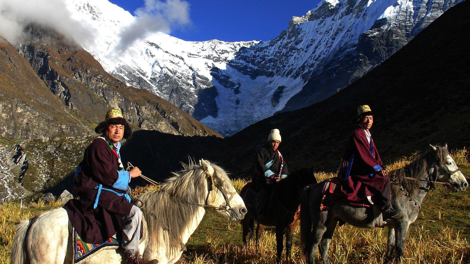 Trek to Langtang Valley