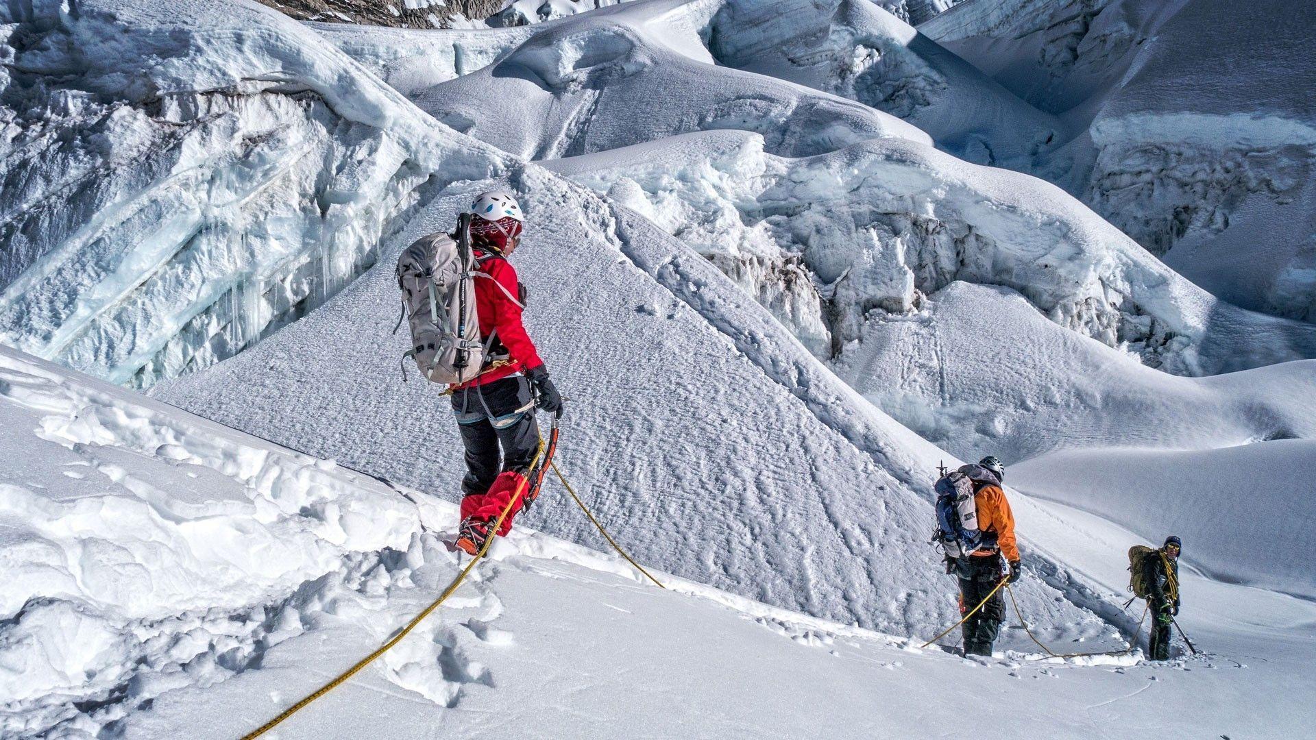 Climbing island peak