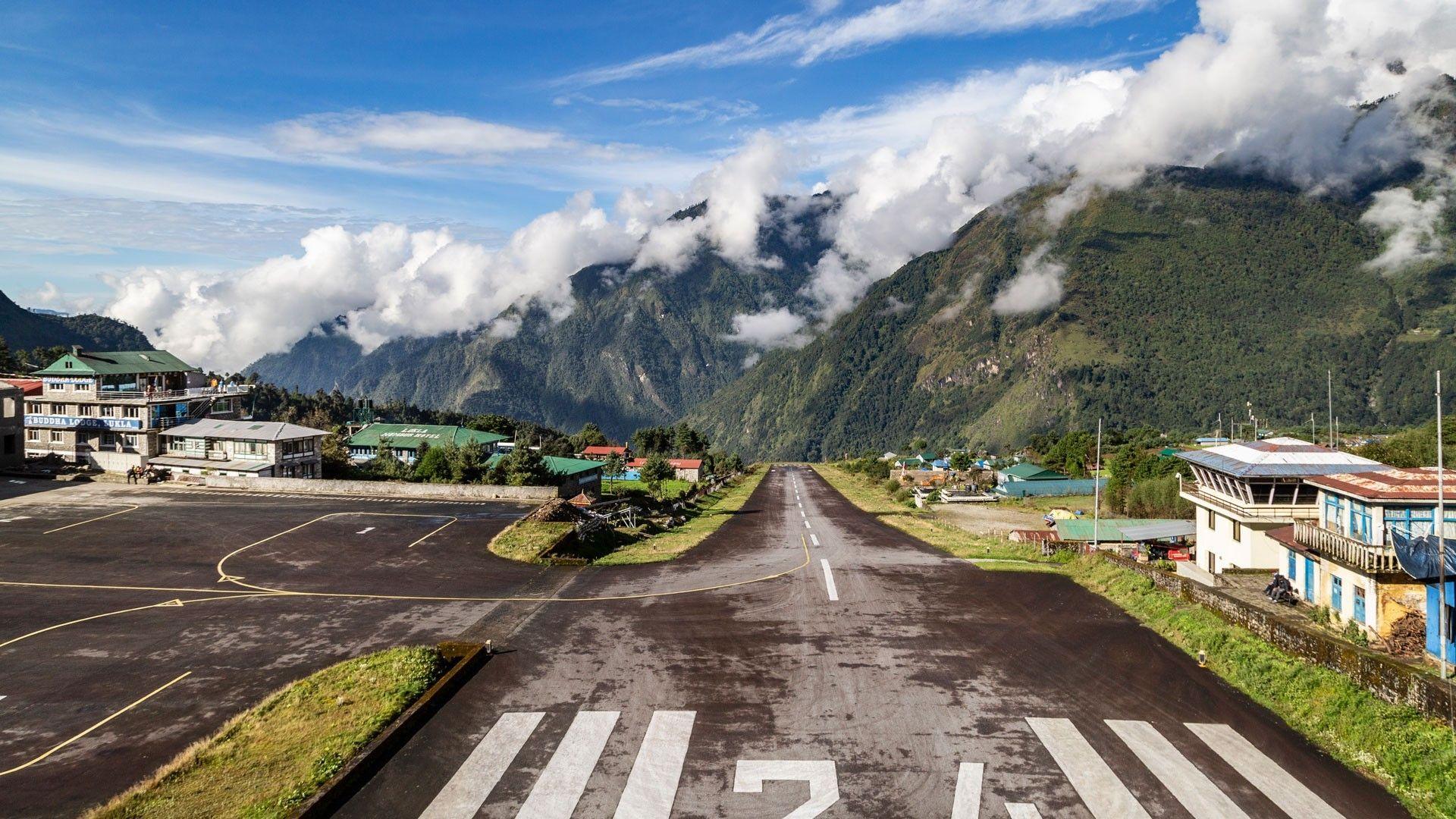 Trek to Gokyo Valley