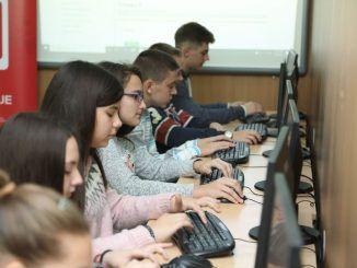nov informaticki kabinet OS Sava Muncan