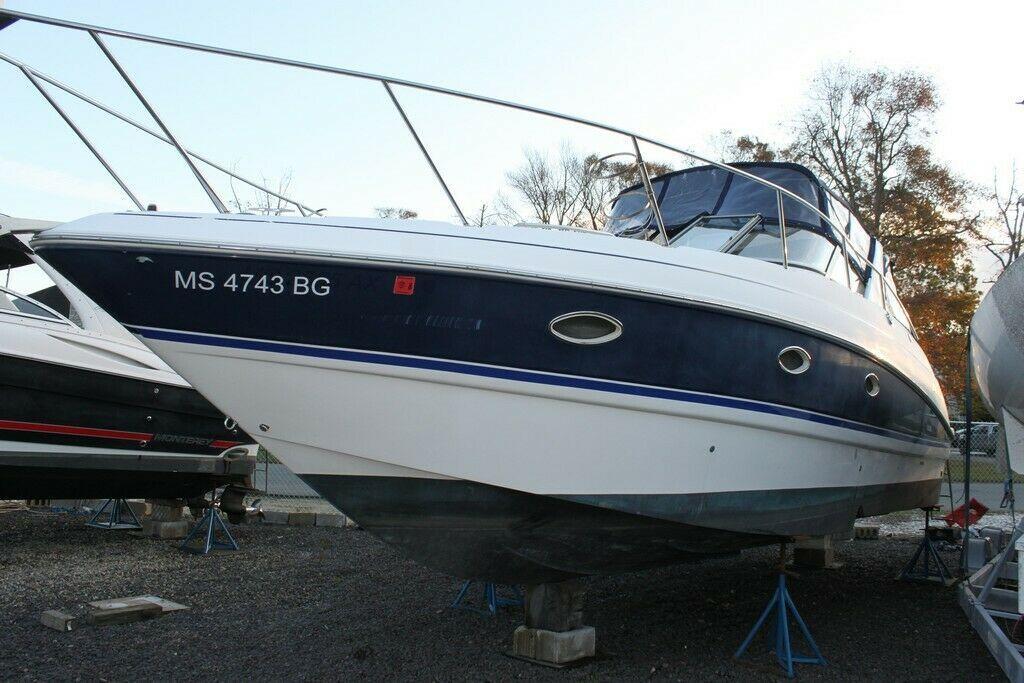 2006 Larson Cabrio 33 boat