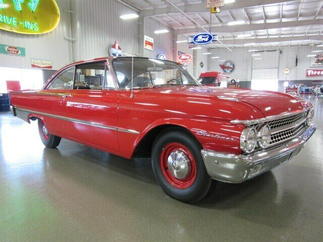 1961 Ford Hardtop