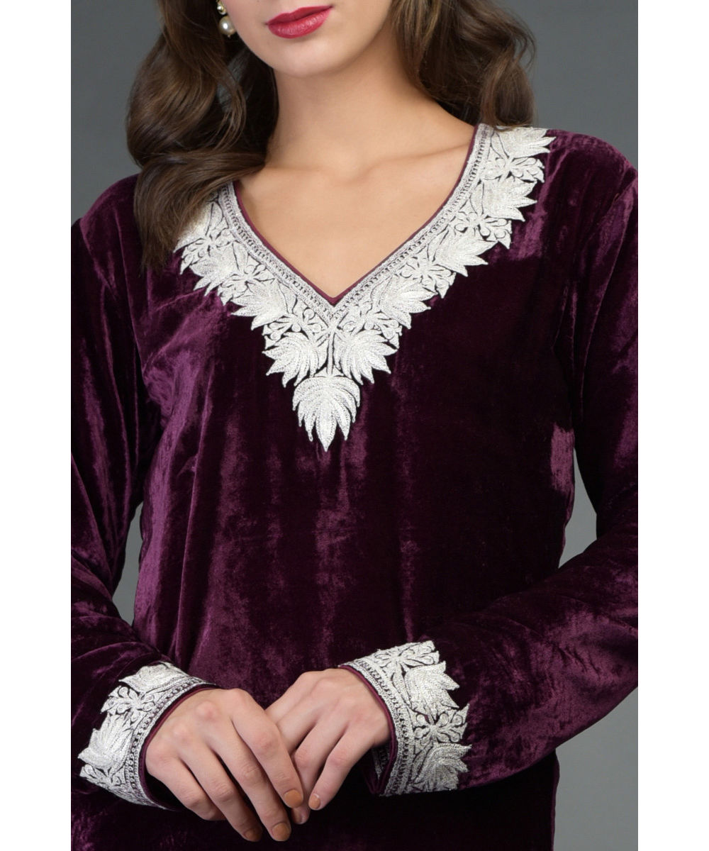 Noor Silk Velvet Tilla Embroidered Kurta With Skirt And Dupatta