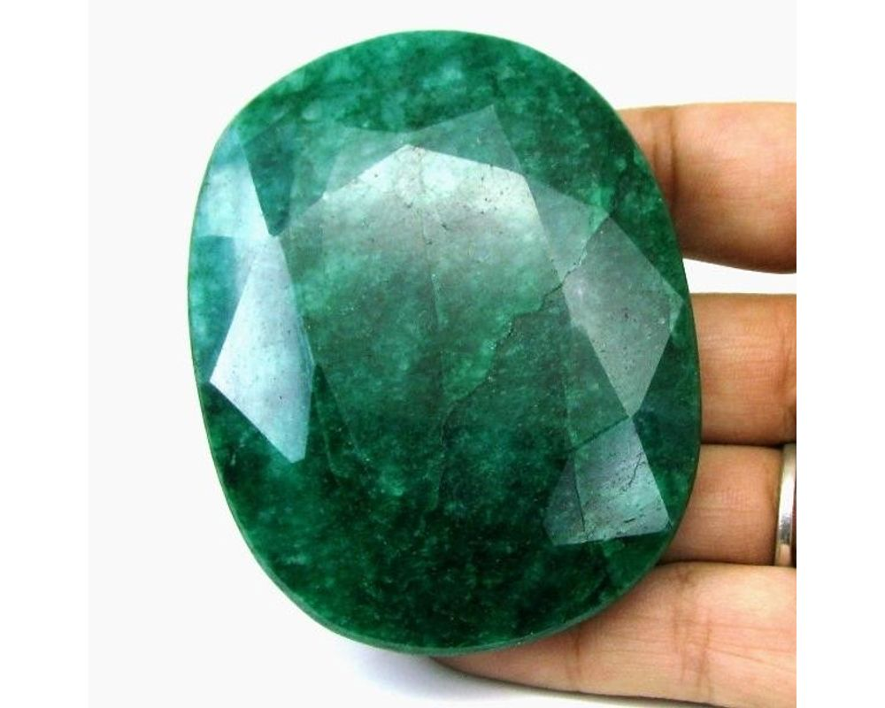 2.29 Ct Emerald Transparent Oval Shape Green Natural From Colombia Custom Jewellery Making for Marriage Anniversary Rare Gemstones beauty