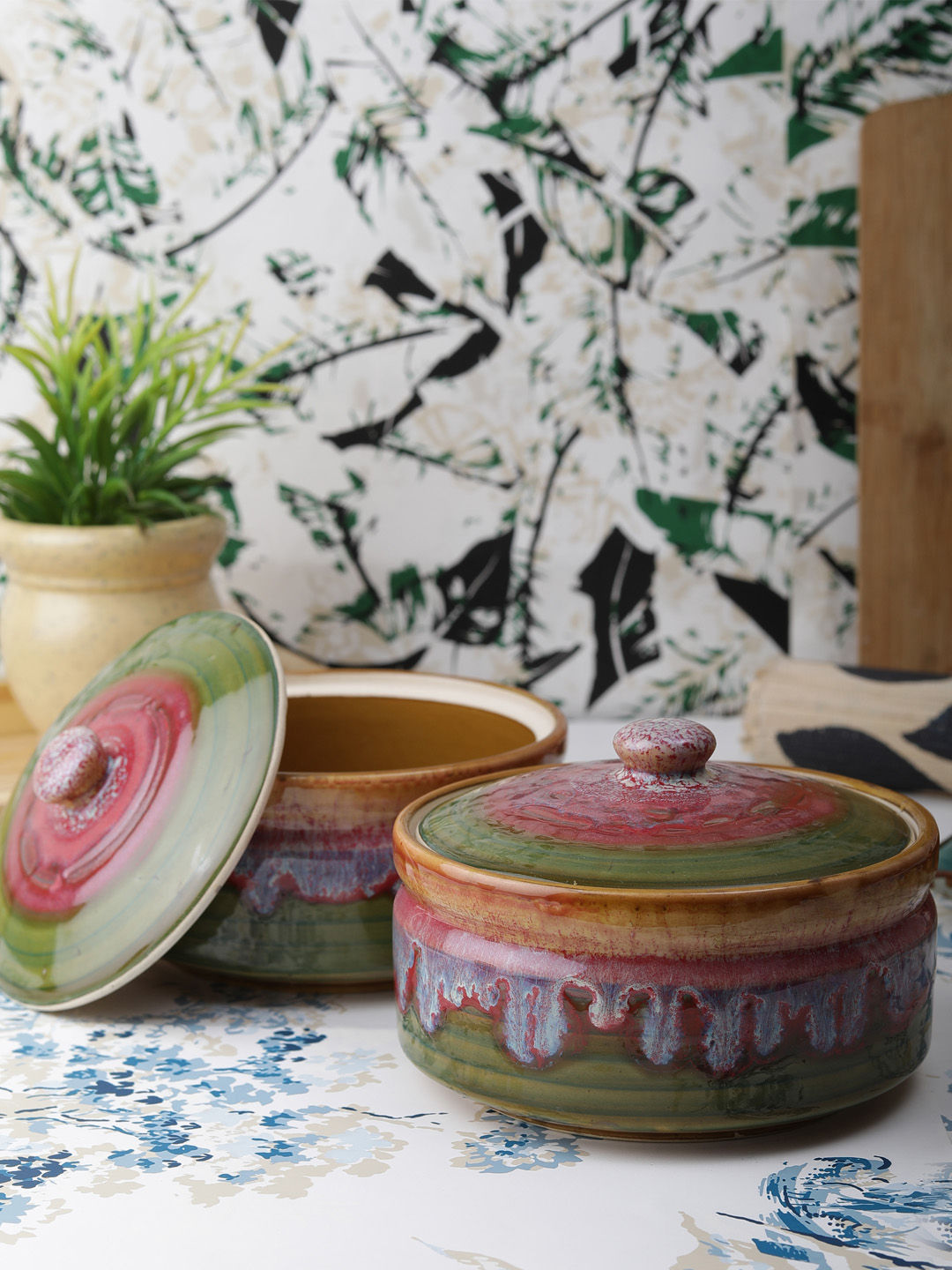 Red Green Mosaic 4 Piece Ceramic Serving Bowls With Lids Set