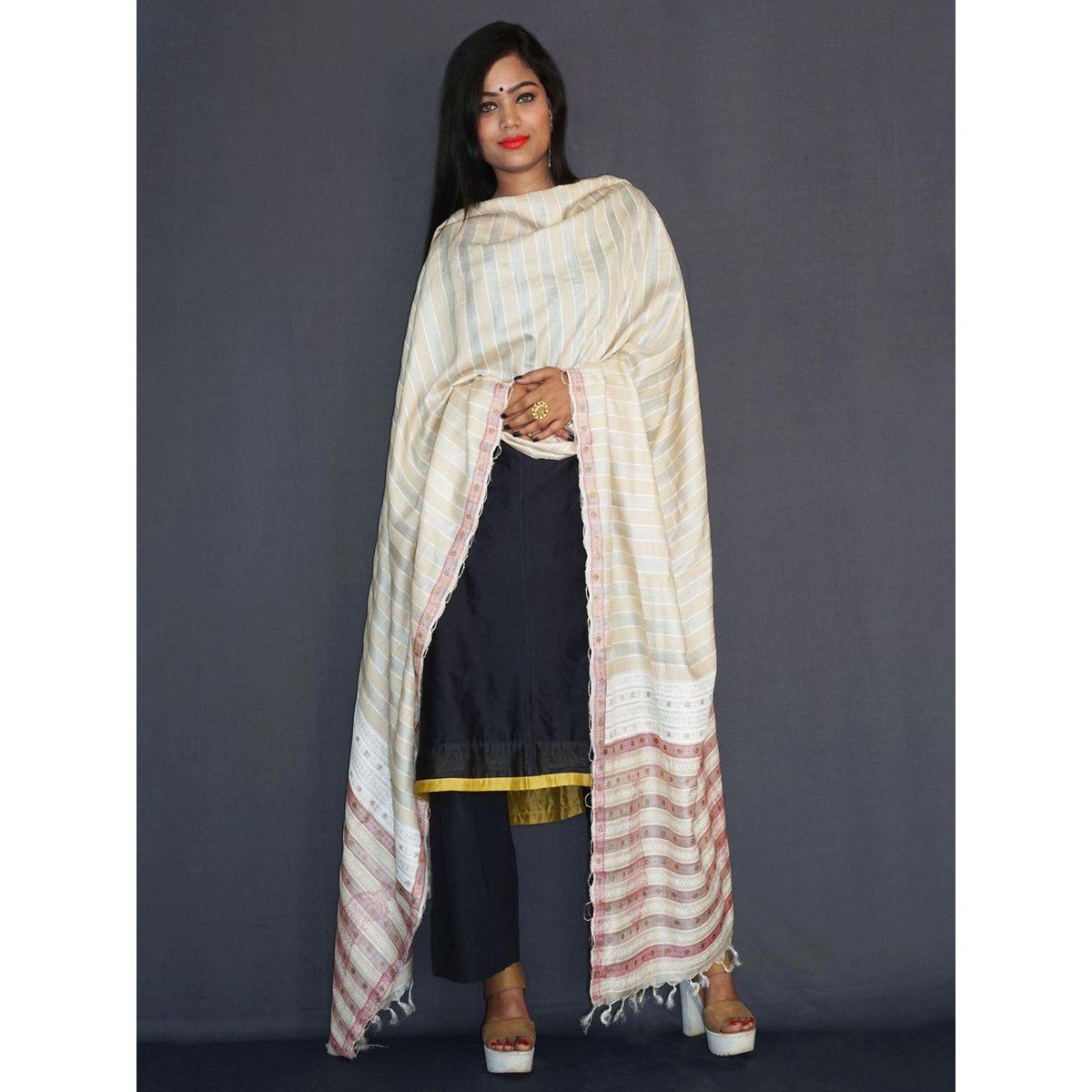 46c5082e4c2 Off white light tussar silk shawl
