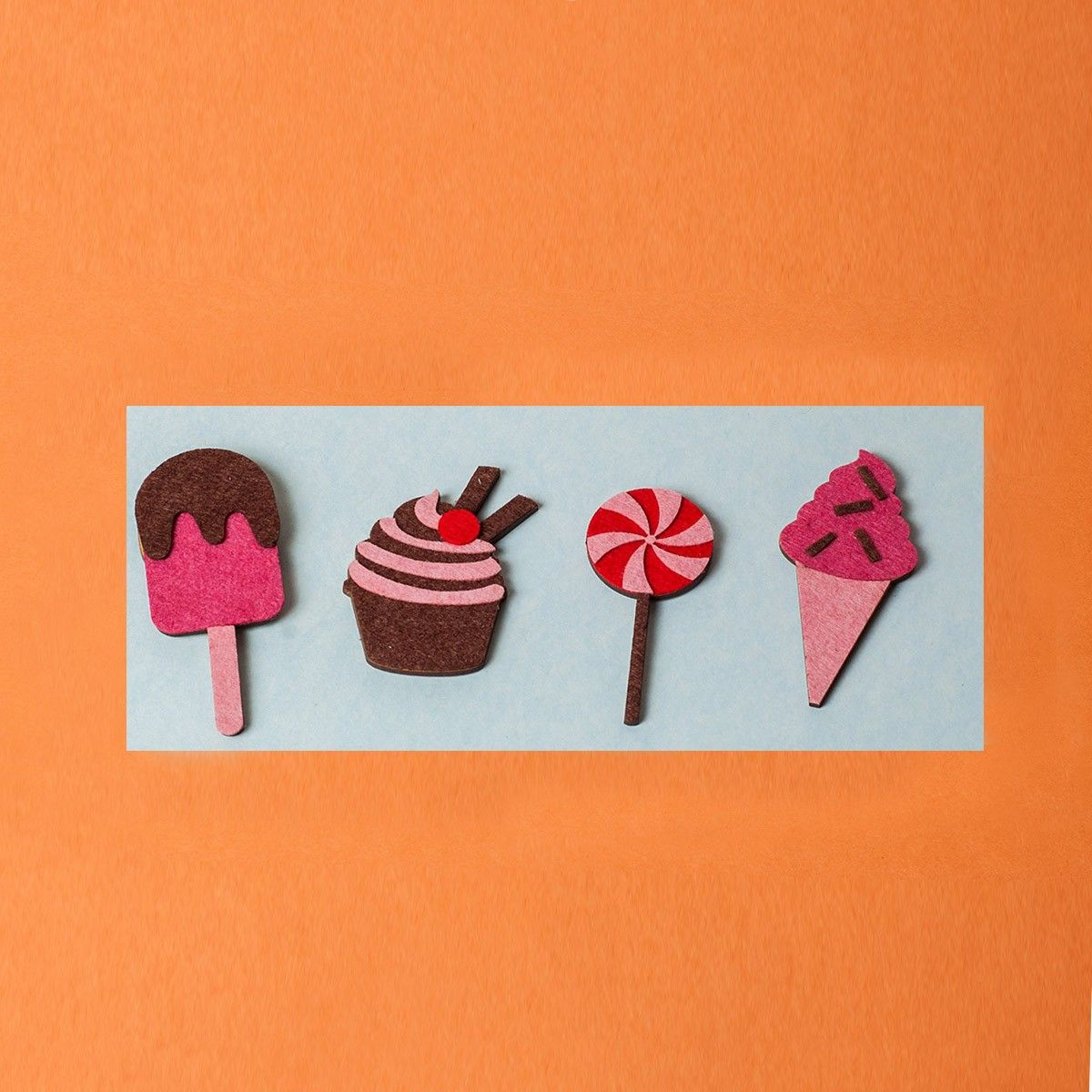 Sweet tooth Magnets