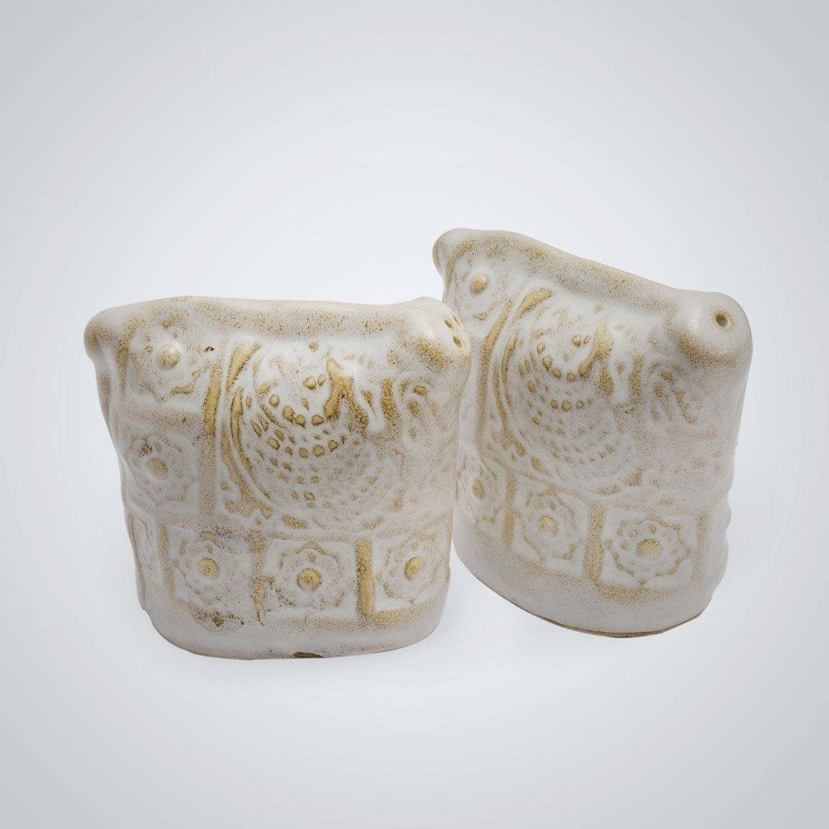 White Ceramic Salt & Pepper Holder - 1pc
