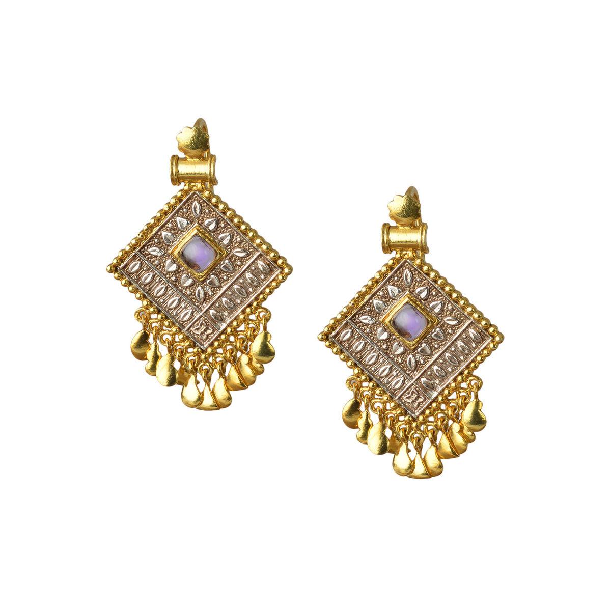 Engraved diamond shape  silver earrings