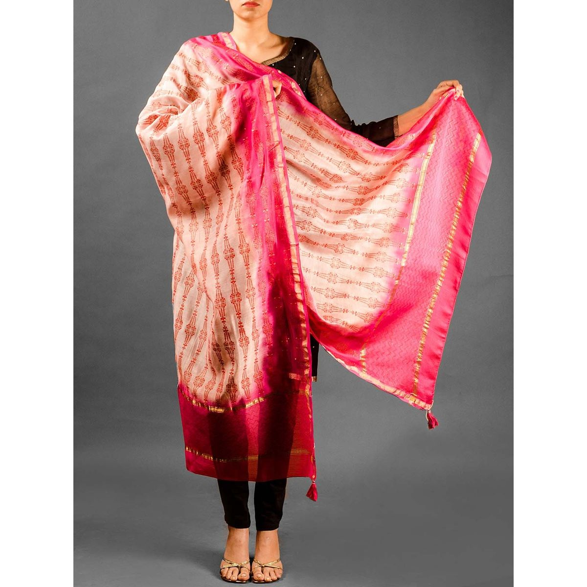 Zig-Zag Pattern Chanderi Duptta - Pink And  Light Pink
