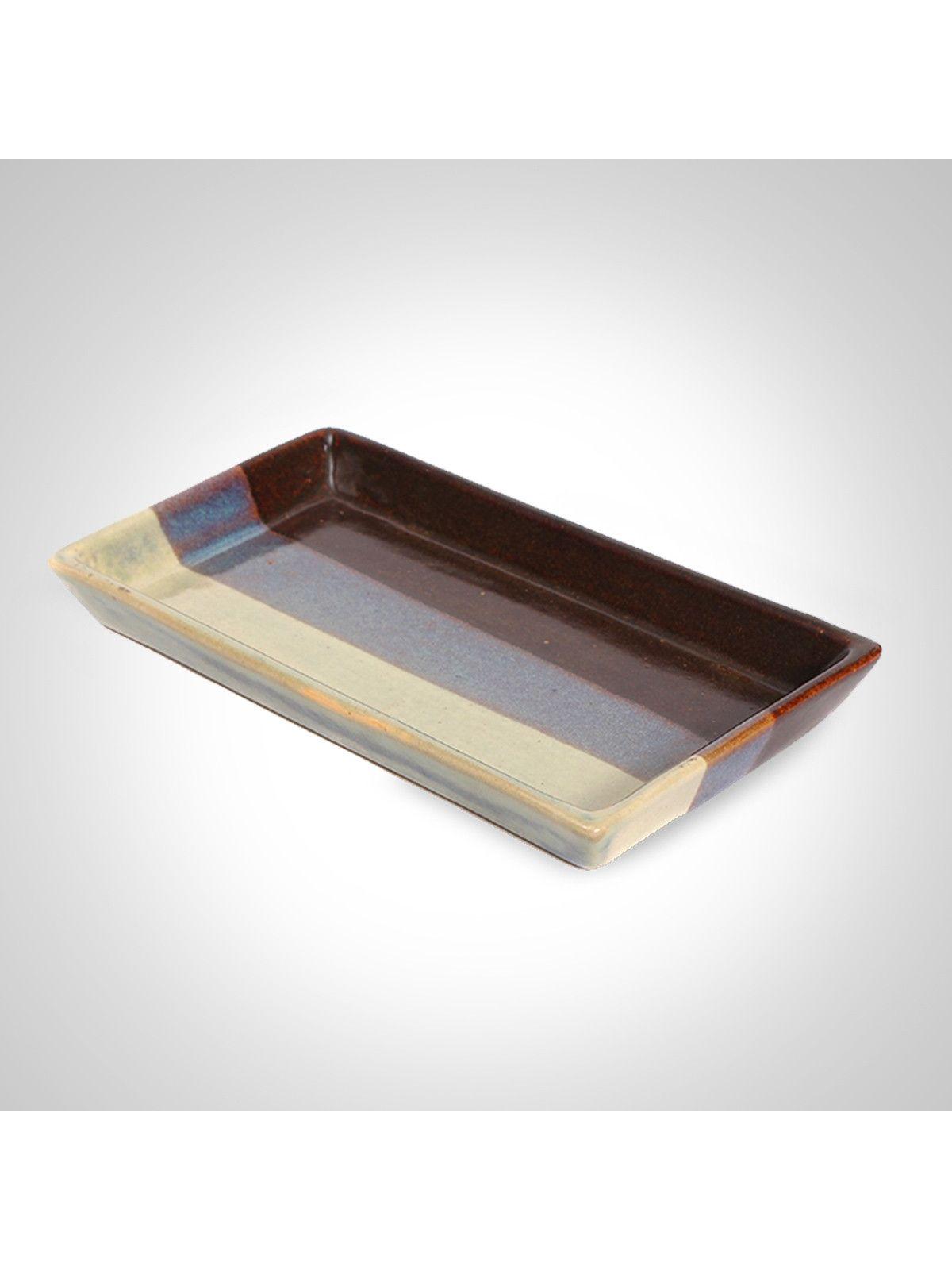 Tri-colored ceramic plate