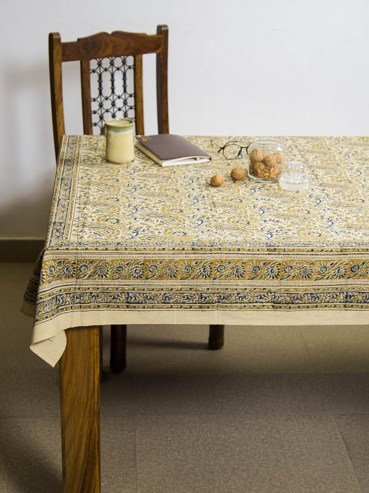 Medallion Paushpa Kalamkari 6 seater table cover