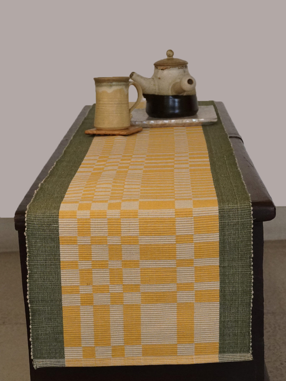 Indian August yellow green ribbed cotton table runner