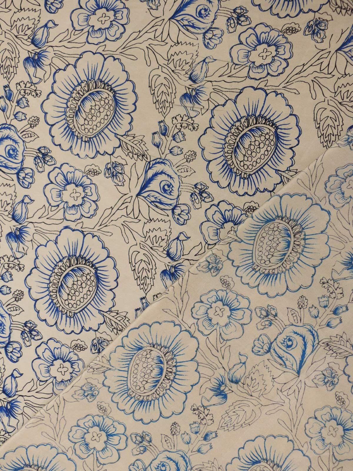 Multicolor crepe silk floral printed fabric
