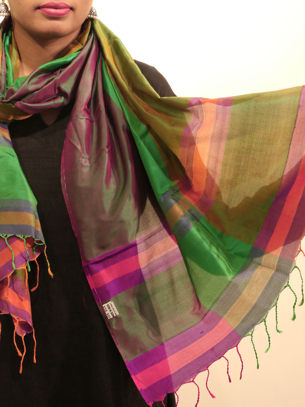 Green color handwoven pure silk stole