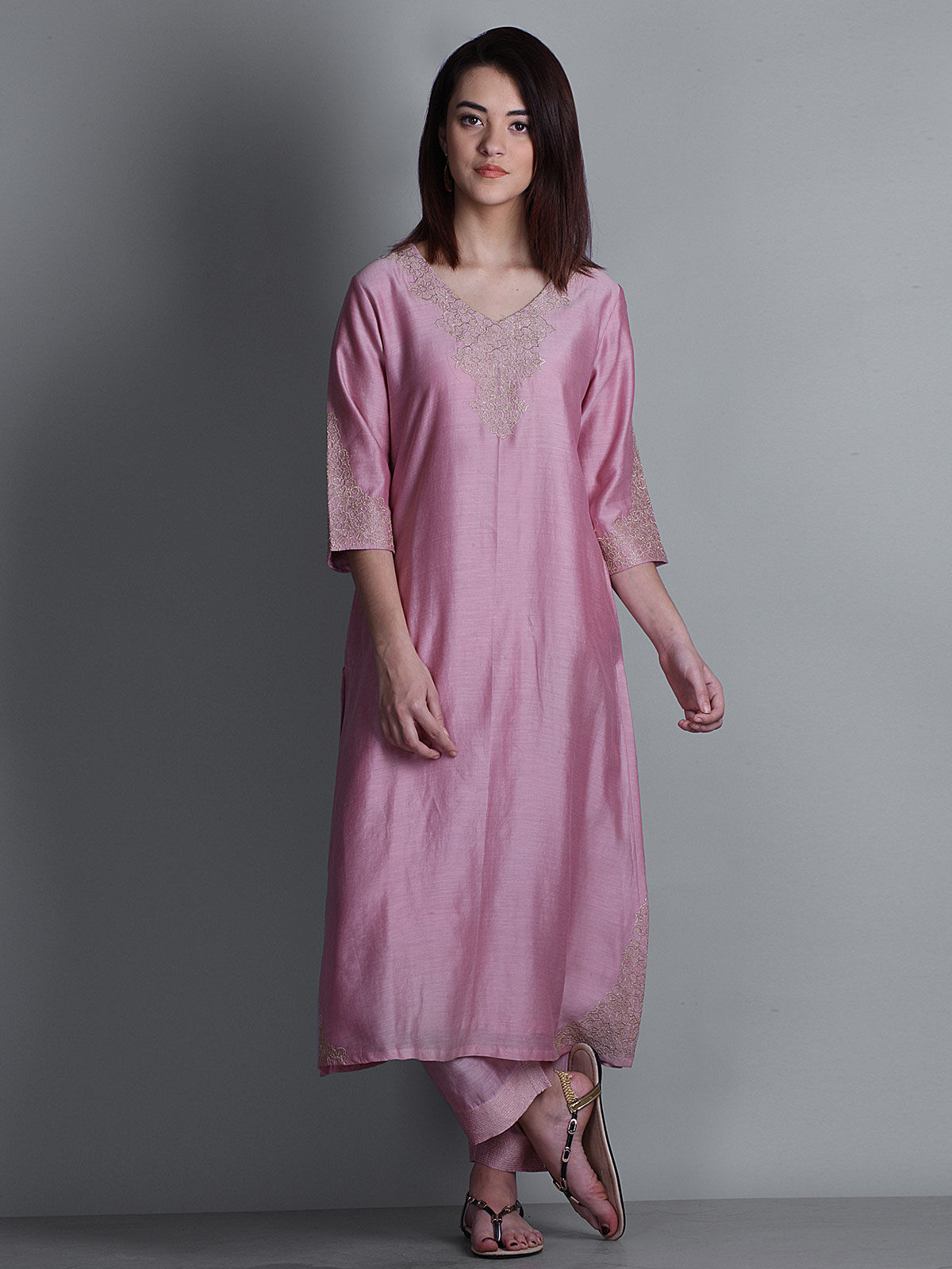 Pink embroidered V-neck long chanderi kurta