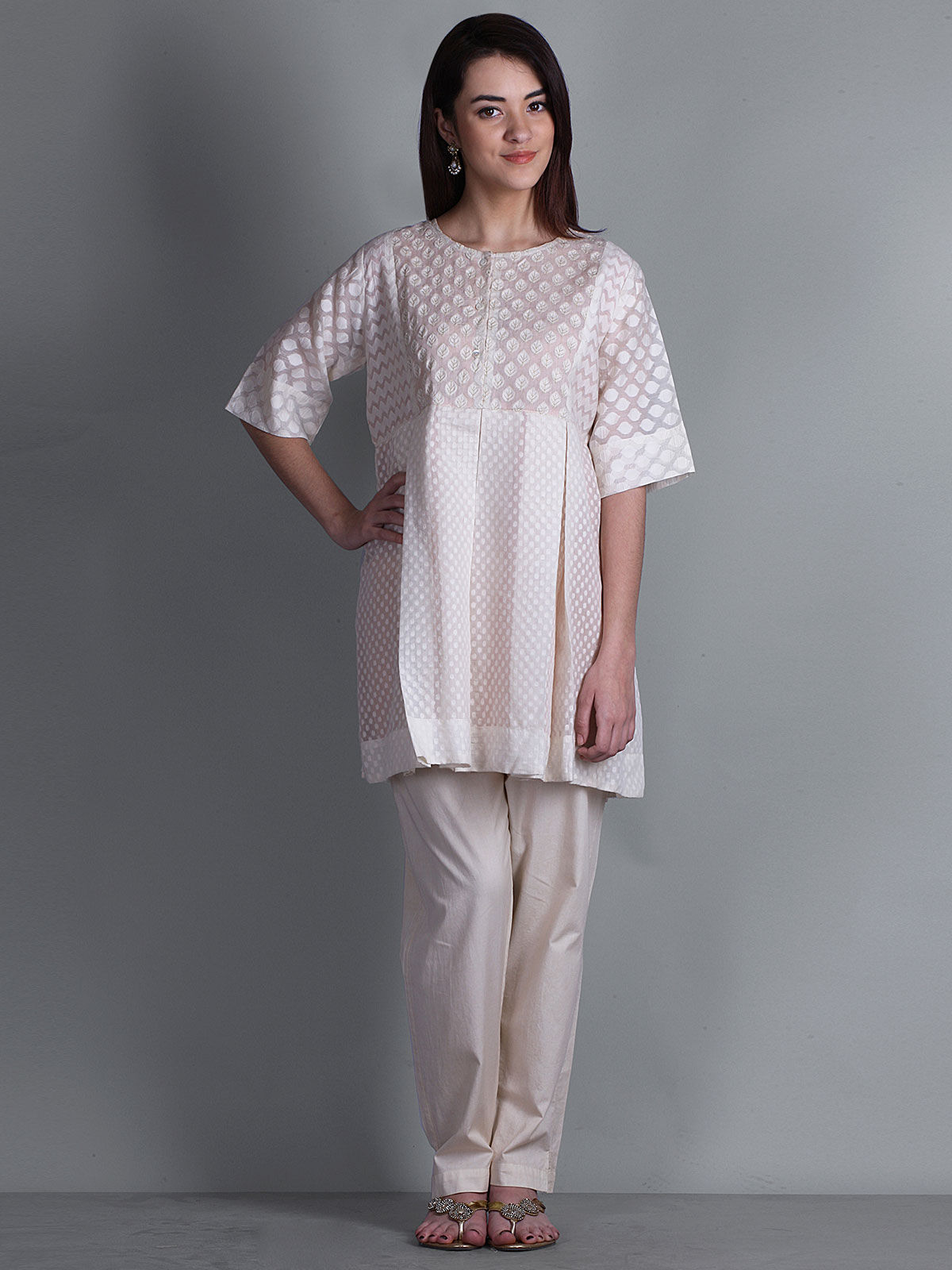 OFF WHITE 3/4th SLEEVES WITH PRINTED BODICE KURTA