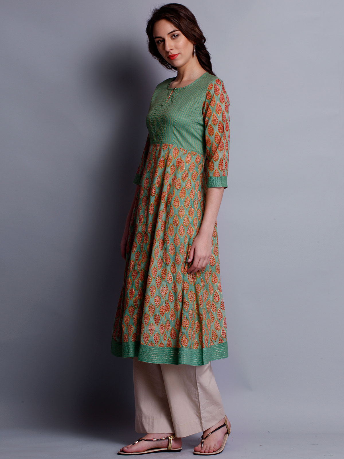 Block paisley printed 3/4th sleeves kurta with plain bodice